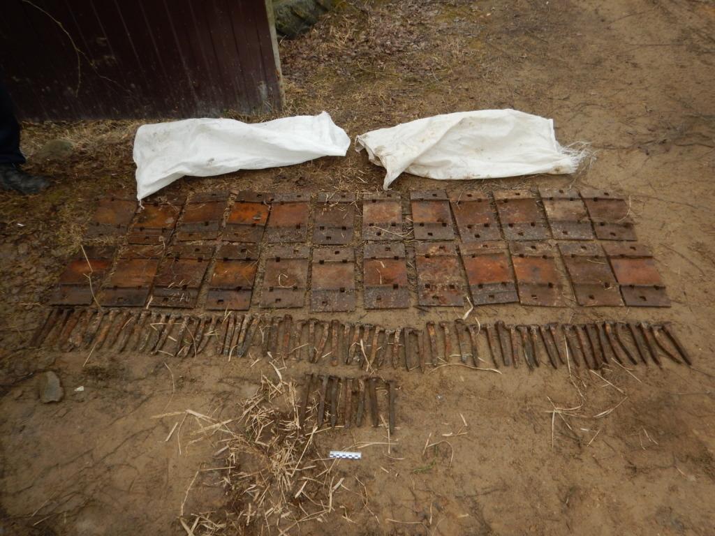 Двое смолян попались со 170 кг железнодорожных деталей