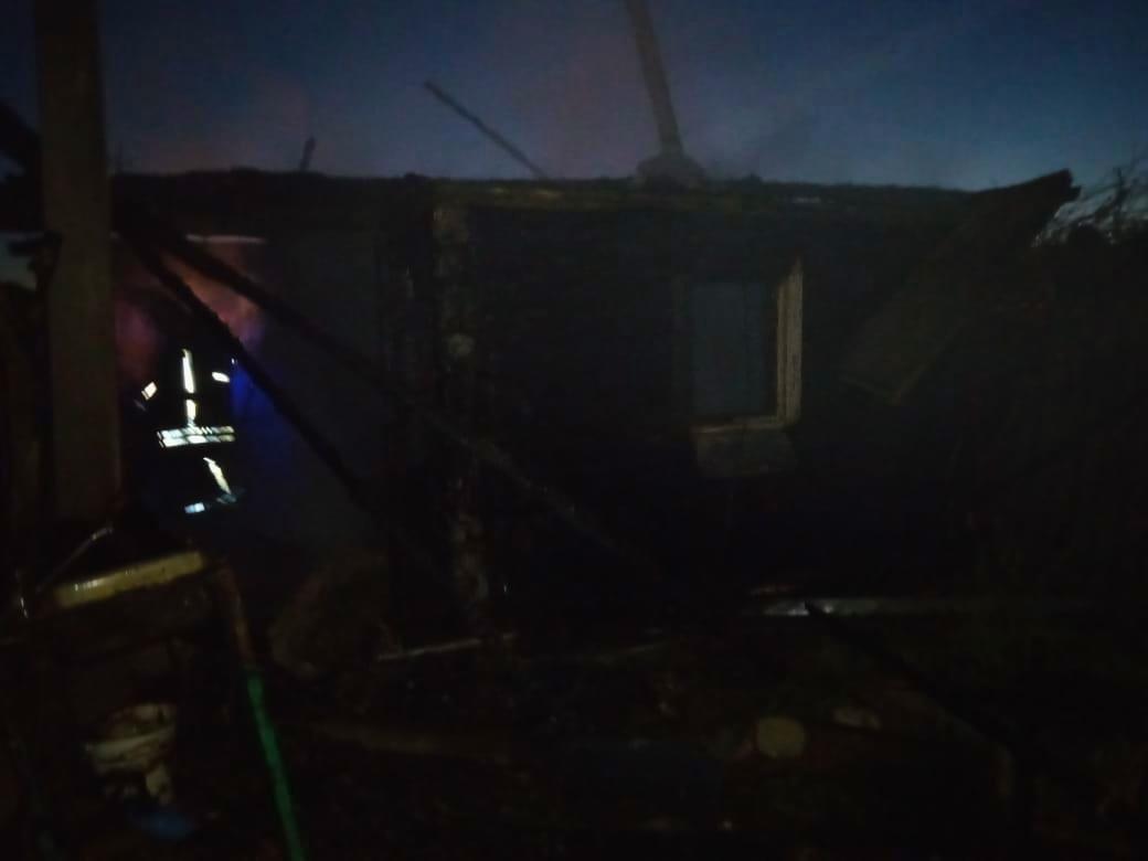 В Смоленской области ночью сгорел дачный дом